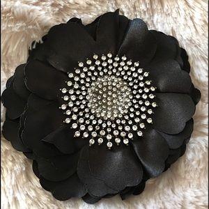 Flower hairpin/broach